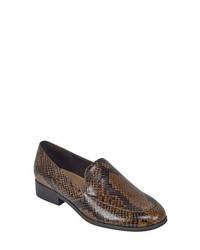evolve Pip6 Apron Toe Loafer Flat