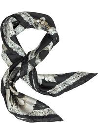 Bufanda de seda con print de flores en negro y blanco