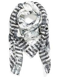 Bufanda de seda de estrellas blanca de Nicole Miller