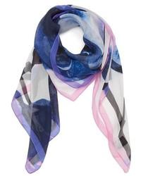 Bufanda de seda estampada azul de Vince Camuto