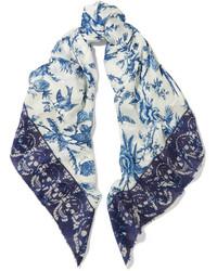 Bufanda Estampada en Blanco y Azul de Alexander McQueen
