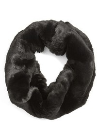 Bufanda negra de Badgley Mischka