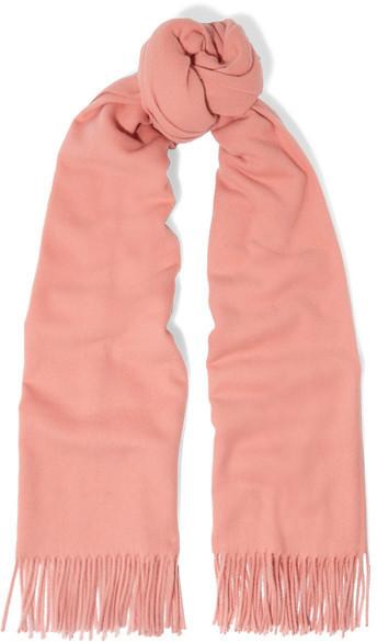 Bufanda rosada de Acne Studios  dónde comprar y cómo combinar 1208701ca81d