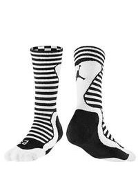Calcetines de rayas horizontales en negro y blanco