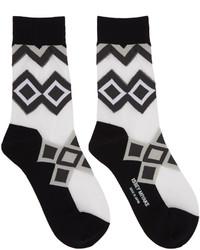 Calcetines estampados negros de Issey Miyake