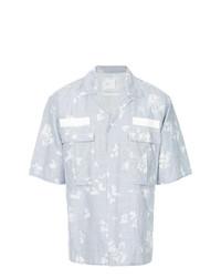 Camisa de manga corta estampada celeste de Sacai