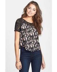 Camiseta con cuello circular de encaje estampada negra de Lush