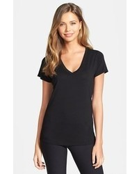 Camiseta con cuello en v negra de Solow