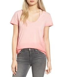 Camiseta con cuello en v rosada de Pam & Gela