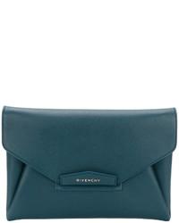 Cartera sobre con estampado geométrico en verde azulado de Givenchy