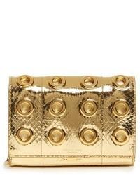 Cartera sobre con print de serpiente dorada de Michael Kors