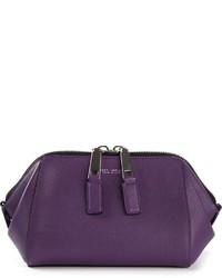Cartera sobre de cuero en violeta de Marc Jacobs