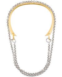 Collar dorado de Charlotte Chesnais