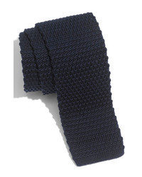 Corbata de lana azul marino de 1901
