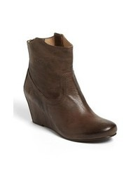 Dark brown ankle boots original 2459031