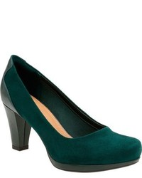 Chorus chic round toe pump medium 806067