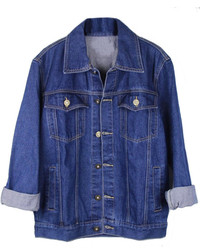 This combination of a blue denim shirt and a jean jacket is perfect for off-duty occasions.