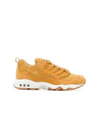 Deportivas amarillas de Nike