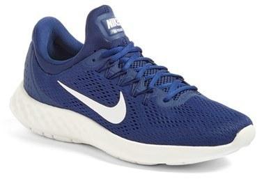 4adcc71f70f ... Deportivas azules de Nike ...