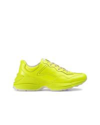 Deportivas en amarillo verdoso de Gucci