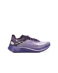 Deportivas en violeta de Nike