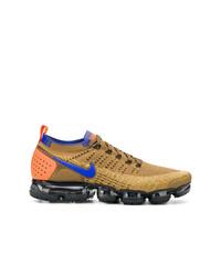 Deportivas estampadas doradas de Nike