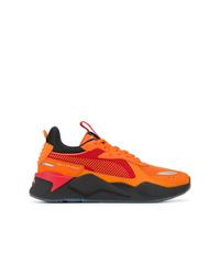 Deportivas naranjas de Puma
