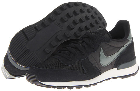 nike internationalist negras