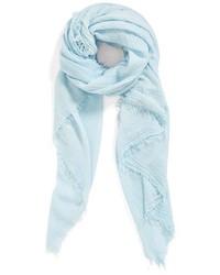 Écharpe bleue claire