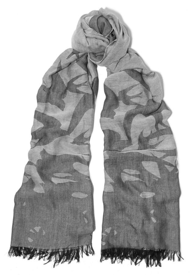 Écharpe imprimée grise MCQ  Où acheter et comment porter ab9c17245ba