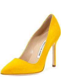 Escarpins en daim jaunes Manolo Blahnik