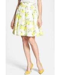 Falda campana estampada en blanco y amarillo