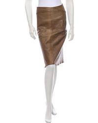 Falda lápiz de cuero marrón