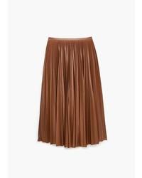 Falda midi de cuero plisada marrón