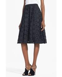 Falda midi de encaje plisada negra de Tracy Reese