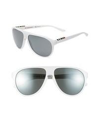 Gafas de sol en negro y blanco de Burberry