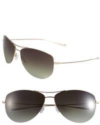Gafas de sol en negro y dorado de Oliver Peoples