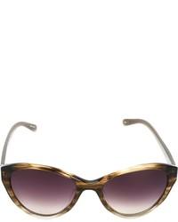 Gafas de sol en violeta
