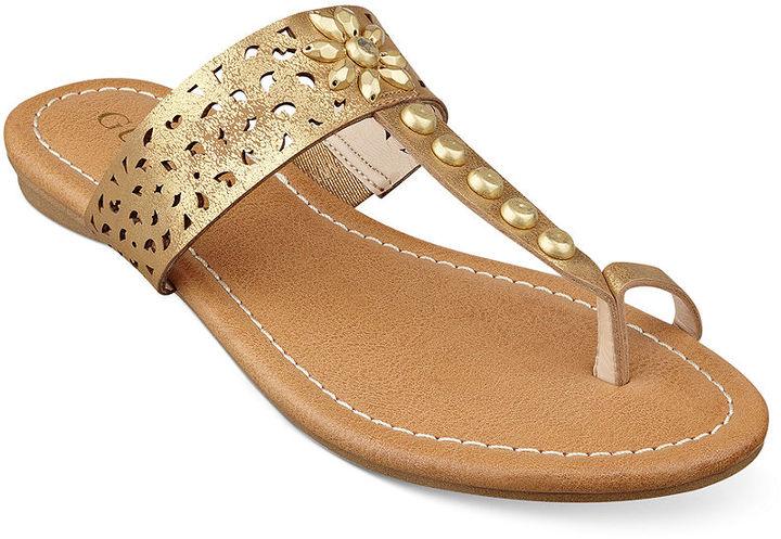 532b75687f7 ... GUESS Gaiana Toe Ring Flat Sandals ...