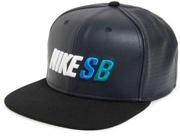 c767f619afc8c ... Gorra de béisbol de cuero negra de Nike ...
