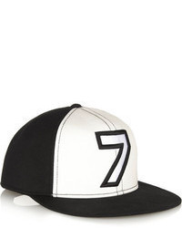 Gorra Inglesa Estampada Negra y Blanca de Karl Lagerfeld