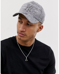 New Era 9forty Engineered Fit New York Yankess Adjustable Cap In Grey