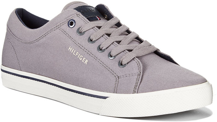 ... Tommy Hilfiger Richmond Canvas Sneakers ...