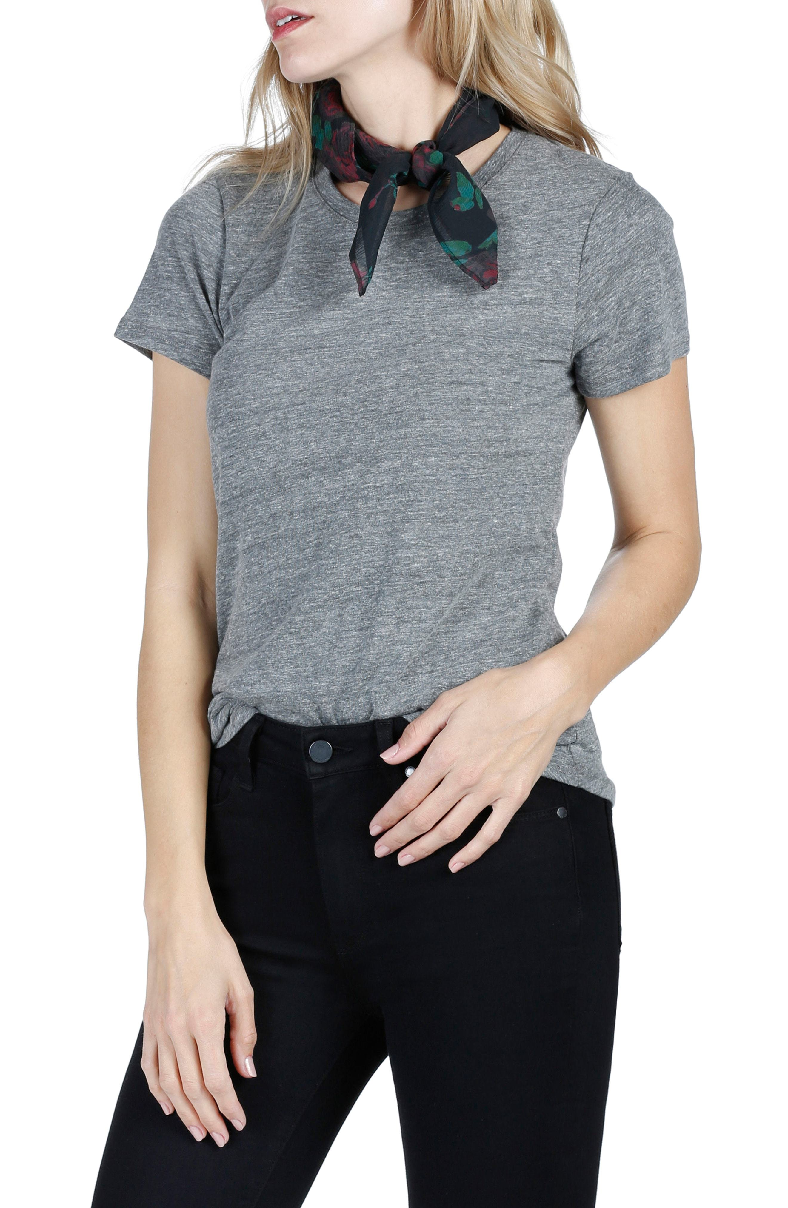 90cfebf1a1727 ... T-shirts Paige Gabrielle Silk Scarf
