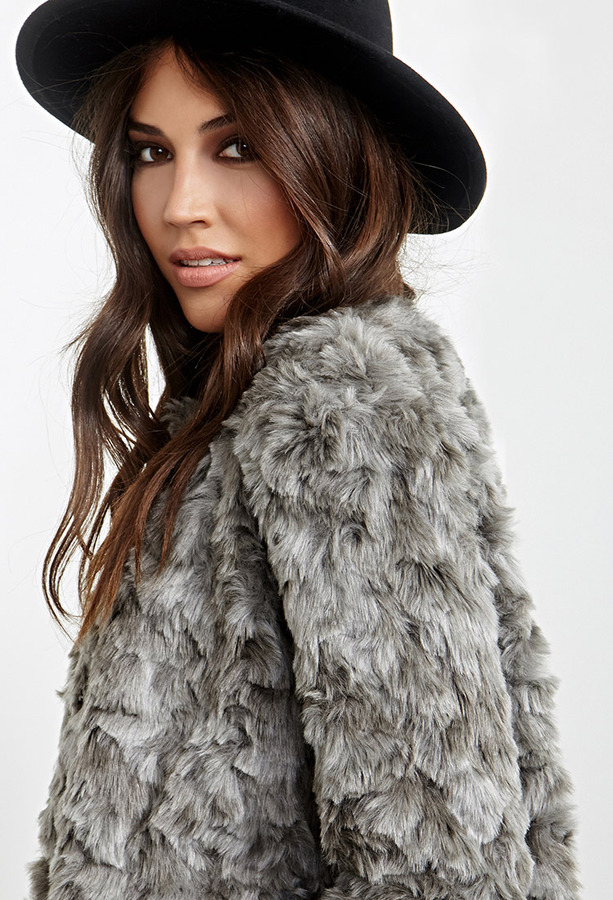 Forever 21 Collarless Faux Fur Jacket | Where to buy & how to wear