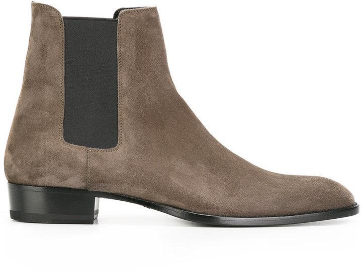 b4edd202722d ... Saint Laurent Classic Wyatt 30 Chelsea Boots ...