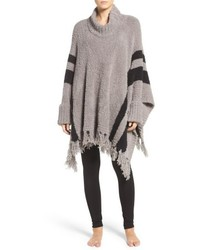 Beach fringe lounge poncho medium 6717404