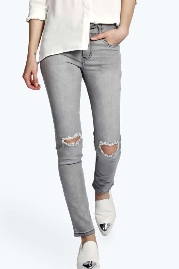 Boohoo Evie Distressed Ripped Knee Jeans | Where to buy & how to wear