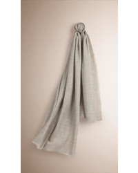 Burberry The Lightweight Cashmere Scarf