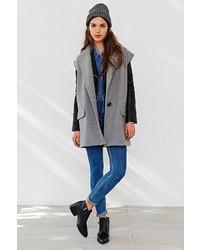 Gat Rimon Manlo Sleeveless Coat
